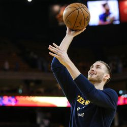 Utah Jazz forward Gordon Hayward (20) warms up before game 2 of the NBA Western Conference Semifinals at Oracle Arena in Oakland, Calif. on Thursday, May 04, 2017.