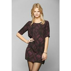 """<a href=""""http://www.urbanoutfitters.com/urban/catalog/productdetail.jsp?id=30792170&parentid=W_APP_DRESSES"""">Staring At Stars Silky Half-Sleeve Frock Dress</a>, $59.00 <br></br> <b>Urban Oufitters:</b> Sometimes it's hard glean gems from the fields of $7"""