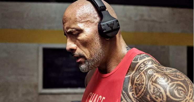 "Dwayne""The Rock""Johnson推出防汗无线耳机"