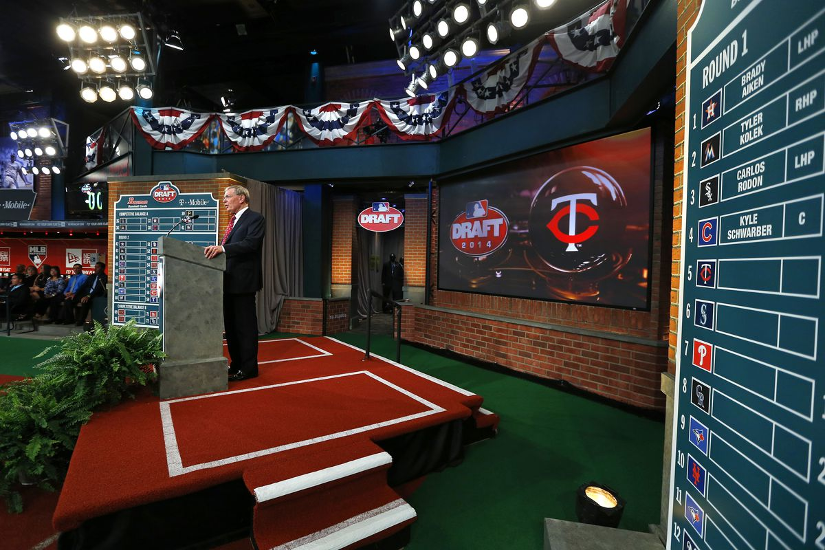 Twins draft California prep shortstop Royce Lewis at No