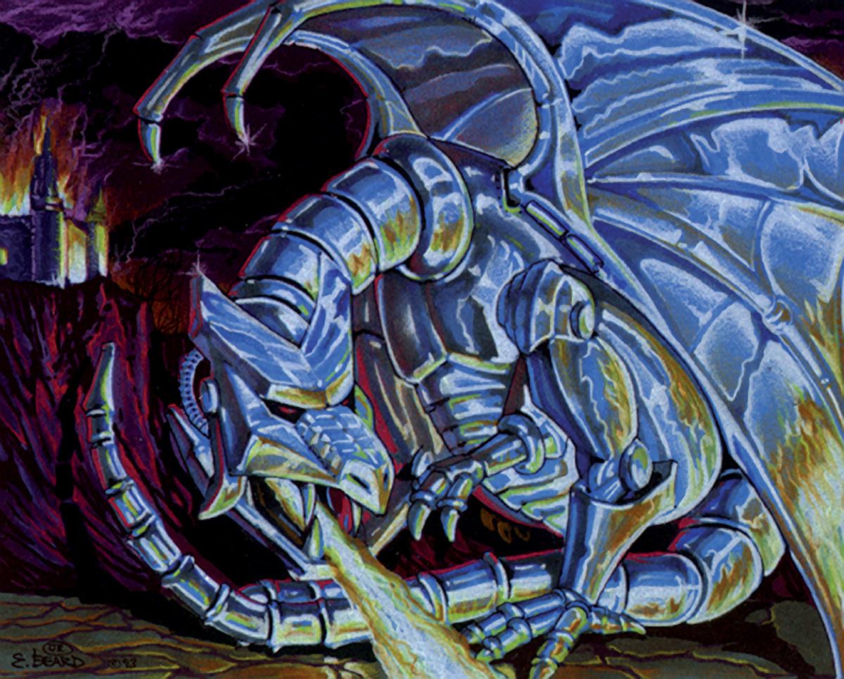 Un dragon en métal chromé crache du feu. Un château brûle en arrière-plan.