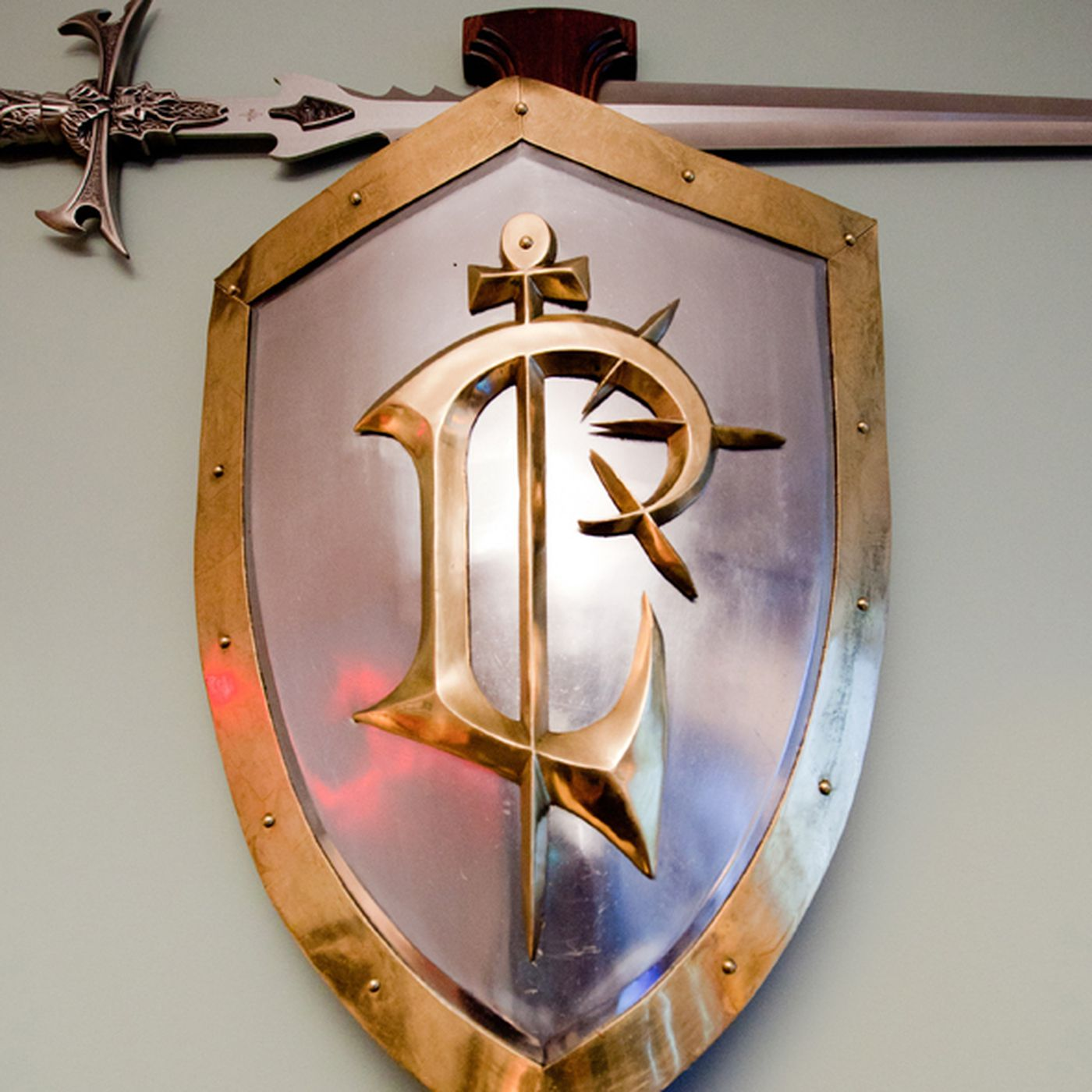 Blizzard Service Award Sword And Shield On Ebay For 20 000 Polygon