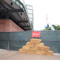 3:07 p.m. More decorations outside the main bleacher gate for country music day -