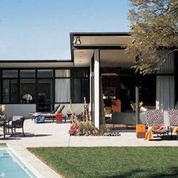 "Trina Turk's post-and-beam. Photo via <a href=""http://www.elledecor.com/celebrity-style/homes/jonathan-skow-trina-turk-home-los-angeles?click=main_sr""><i>Elle Decor</i></a>."