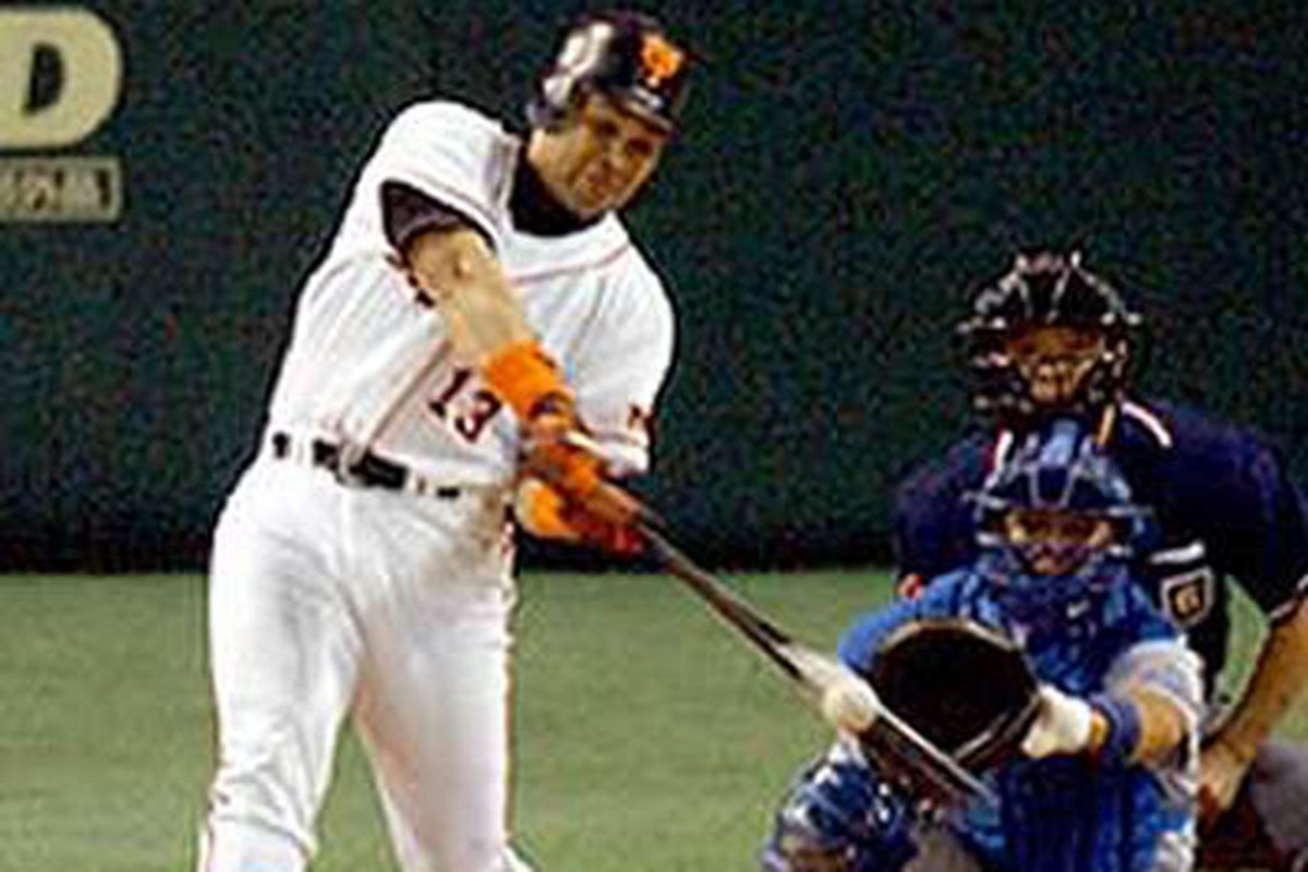Roberto Petagine while with the Yomiuri Giants; year is likely 2003 or 2004
