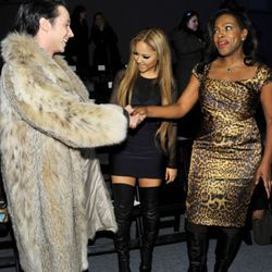 Schmoozing with singer Kat Deluna and actress Sheryl Lee Ralph at Tadashi Shoji. Photo by Mike Coppola/Getty Images for IMG.