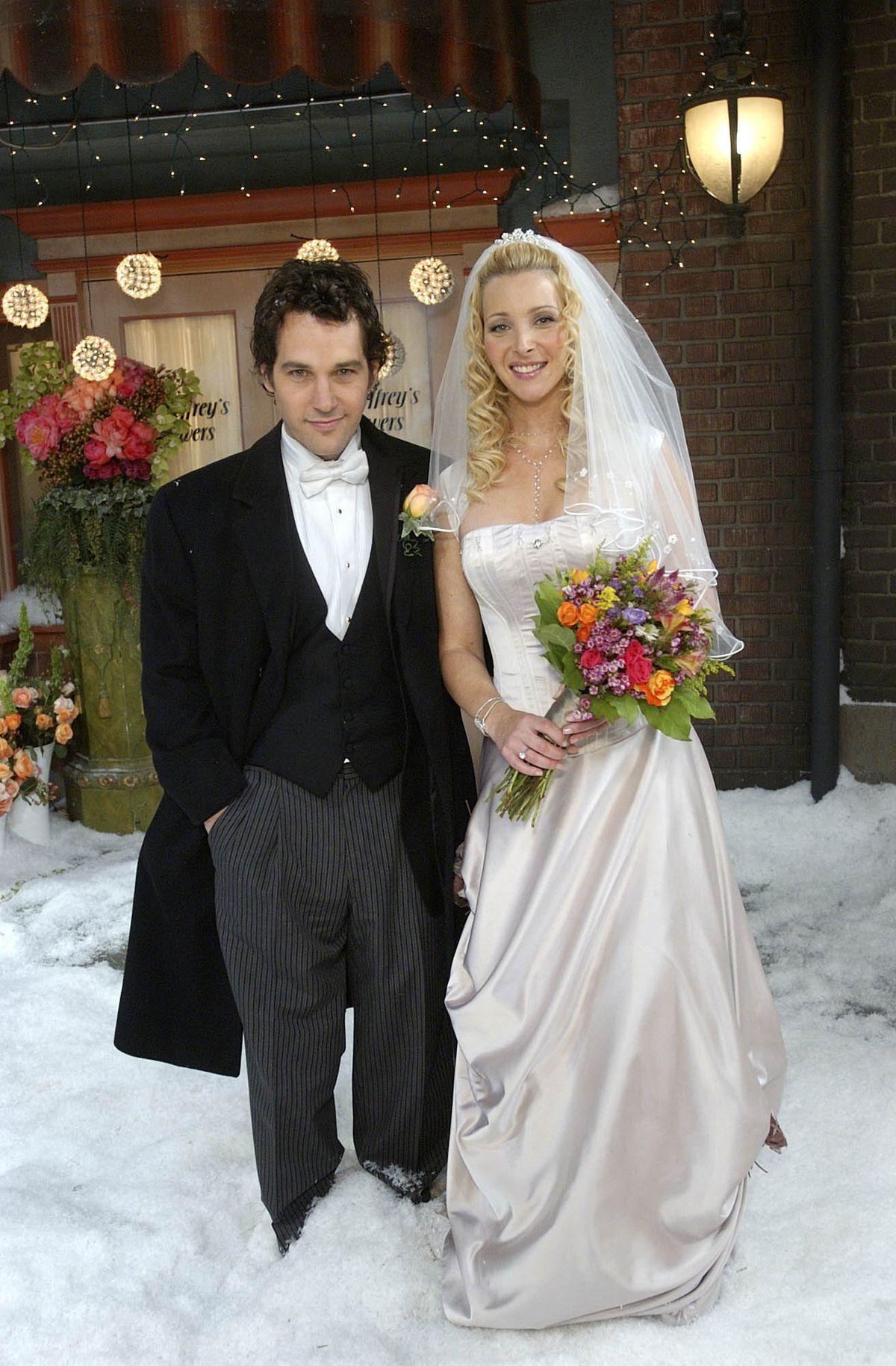 Friends Costume Designer Looks Back On 10 Seasons Of Weddings Racked
