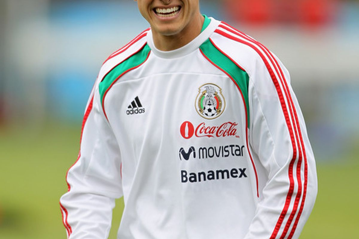OAKLAND, CA - MARCH 26:  Javier 'Chicharito' Hernandez of Mexico warms up for their international friendly match against Paraguay at Oakland-Alameda County Coliseum on March 26, 2011 in Oakland, California.  (Photo by Ezra Shaw/Getty Images)