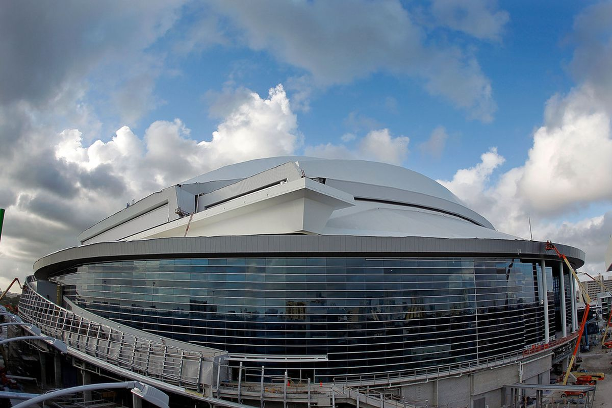 MIAMI, FL - DECEMBER 09:  Exterior views of the New Miami Marlins Ballpark on December 9, 2011 in Miami, Florida.  (Photo by Mike Ehrmann/Getty Images)