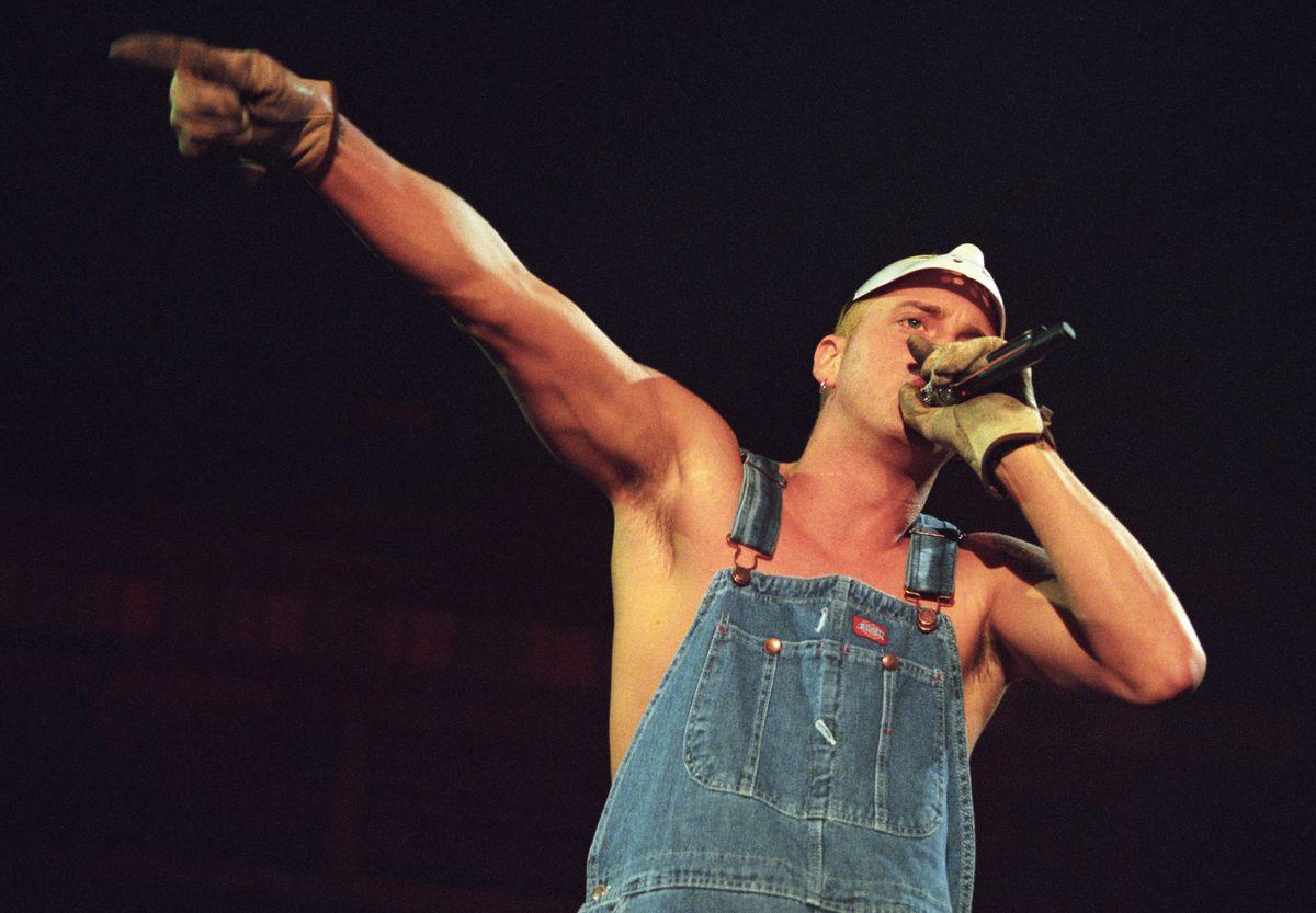 Eminem Performs on the Anger Management Tour 2000