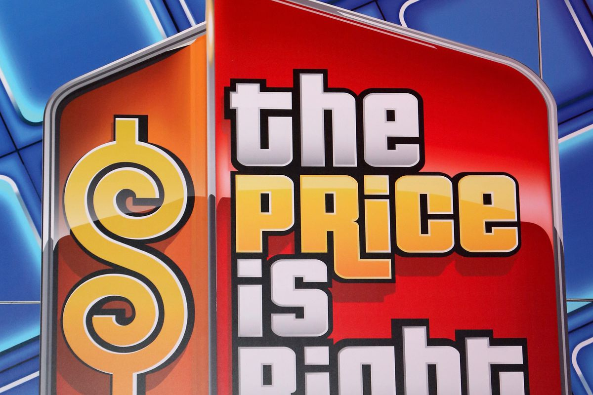 Drew Carey Hosts Plinko Games To Debut The Price Is Right Slot Machines