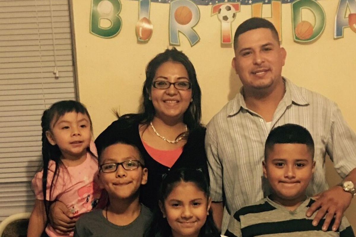 ICE moves to deport Little Village father of 4 two weeks before Christmas