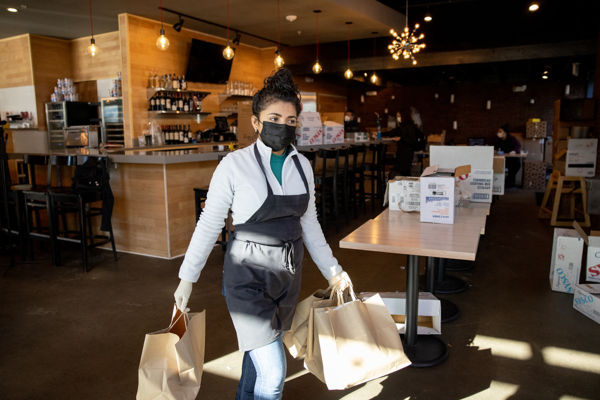 Medium Rare prepares Thanksgiving meals for needy
