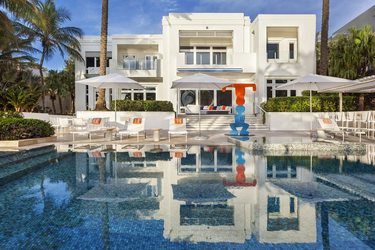 It S One Of The Priciest Homes In Golden Beach Trailing A Standout Mediterranean That Has Been Reduced To 29 Million