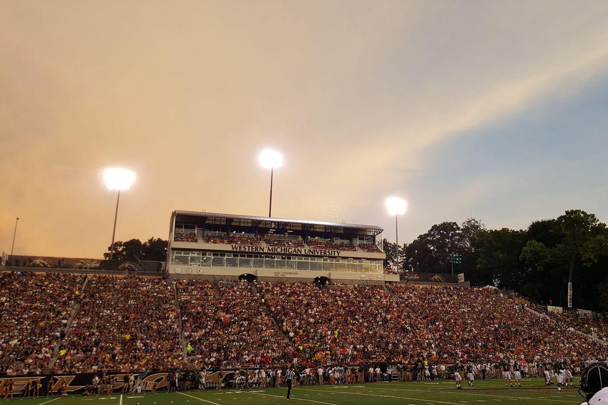 Waldo Stadium 09.04.15 (Alex Alvarado)