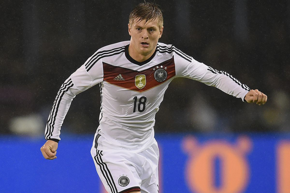 Toni Kroos wins German Player of the Year Award Managing Madrid