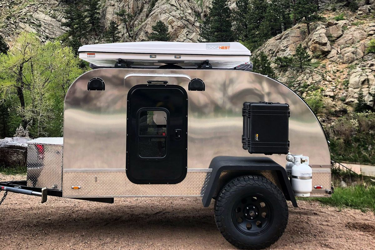 Camper Trailer Features Bunkbeds To Sleep A Family Of 4