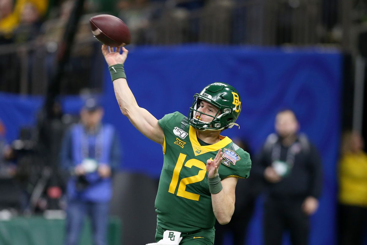 Baylor Bears quarterback Charlie Brewer makes a throw in the second half against the Georgia Bulldogs in the Sugar Bowl at the Mercedes-Benz Superdome.