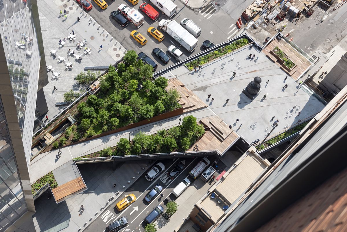 Schenck_High_Line_Spur_2019_05_31_DSC_0125comp The High Line Spur, the final section of the elevated park, opens