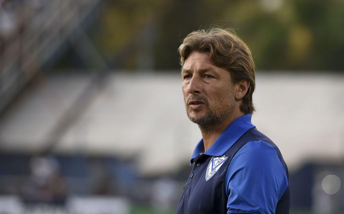 Gimnasia y Esgrima La Plata v Velez- Superliga 2019/20