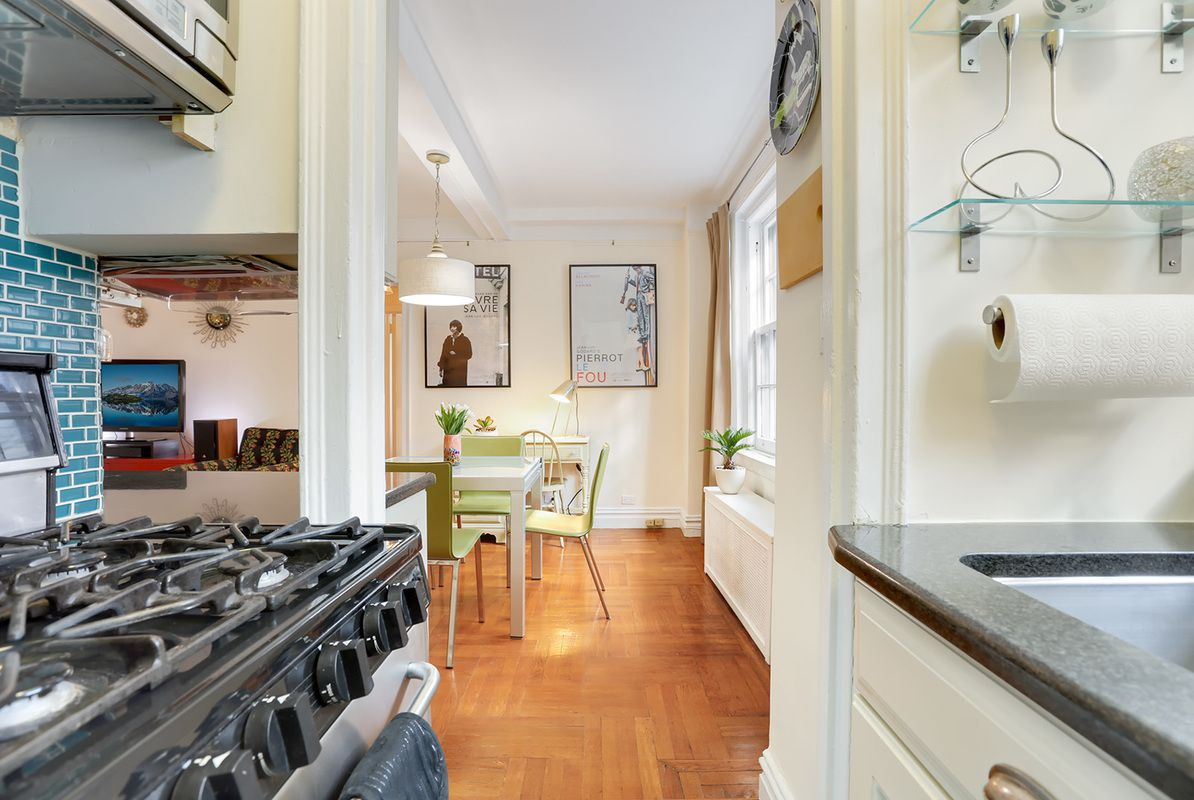 Brooklyn Heights apartment for sale is a perfect starter apartment ...