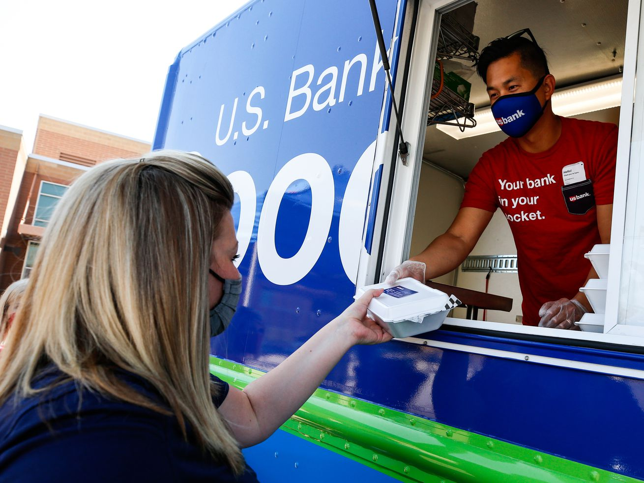 U.S. Bank's Good Truck treats educators at Westlake High School to a free lunch