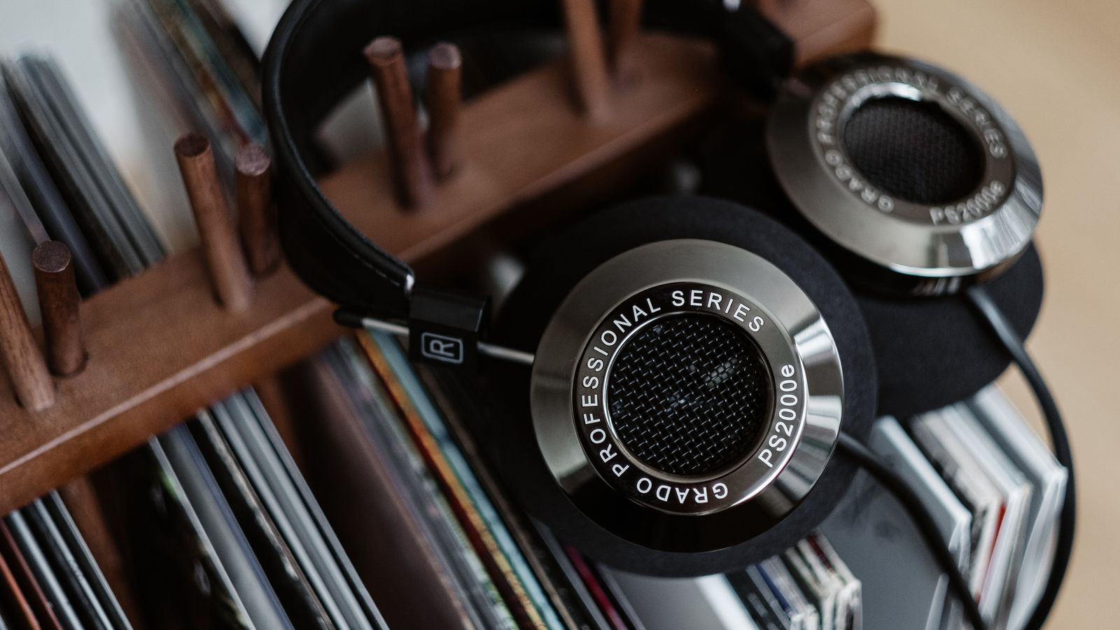 Grado's new flagship headphones are $2,695 of handcrafted ...