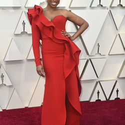 Jennifer Hudson wears an Elie Saab Couture gown to the Oscars. | Jordan Strauss/Invision/AP