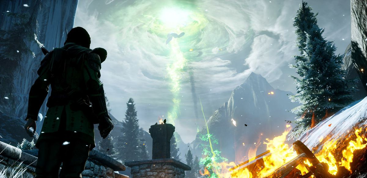 Dragon Age: Inquisition - green storm in sky
