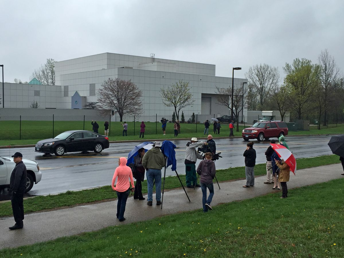 People and news media gather outside Paisley Park in Chanhassen, Minn., Thursday, April 21, 2016, on the news of the death of artist Prince.  Prince was found dead at his home on Thursday in suburban Minneapolis, according to his publicist. He was 57.  (J