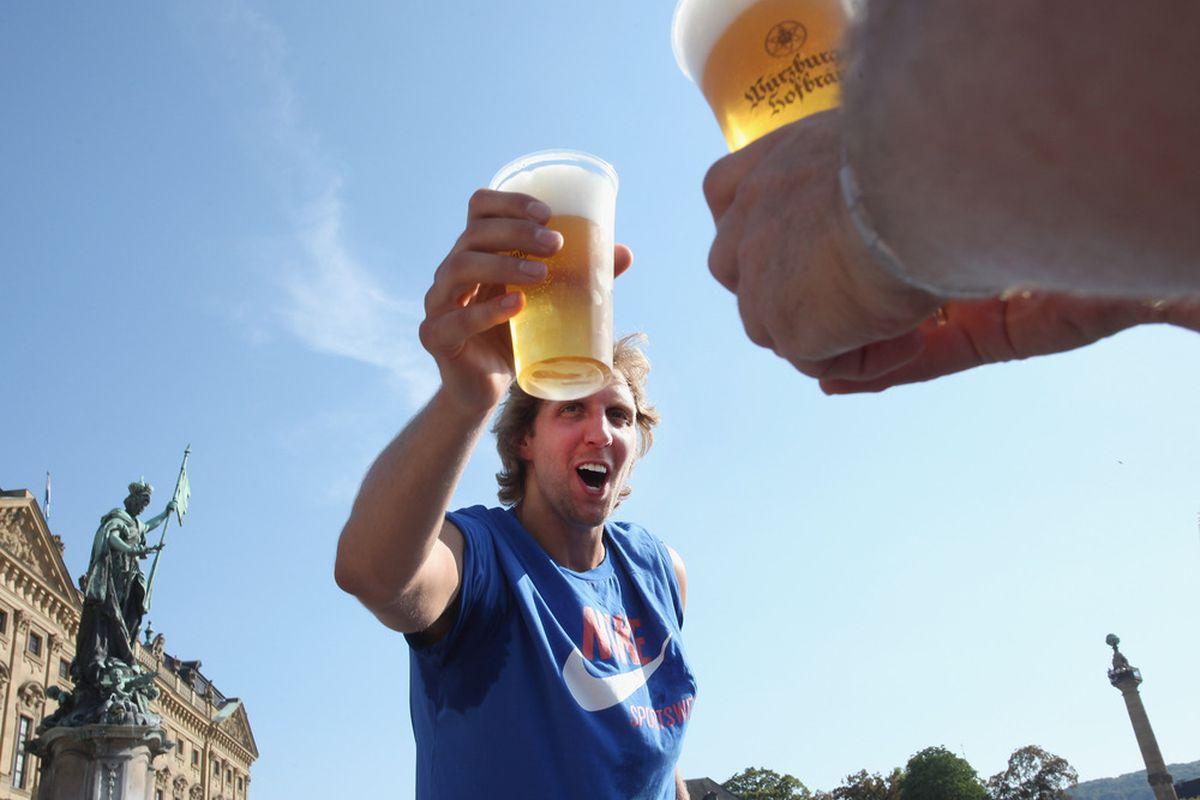 享受退役生活!德佬:戒酒10年後我喝了第一杯酒,退役的感覺真棒!