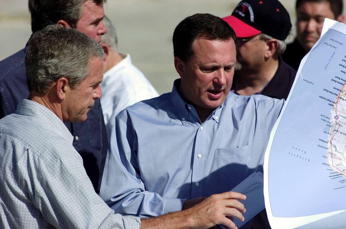 George Bush Tours Florida After Hurricane Charley