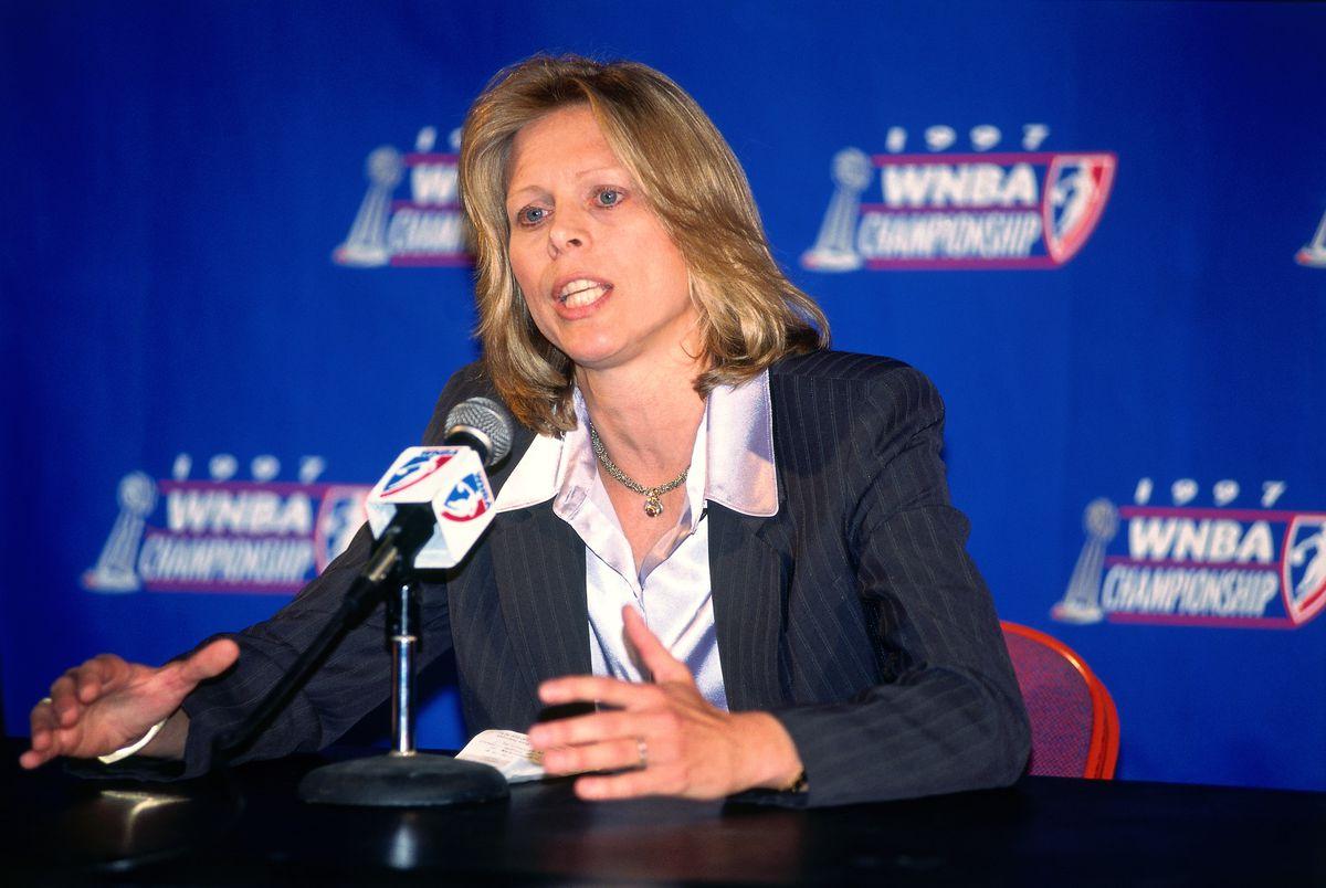 1997 WNBA Finals - Game One: New York Liberty v Houston Comets