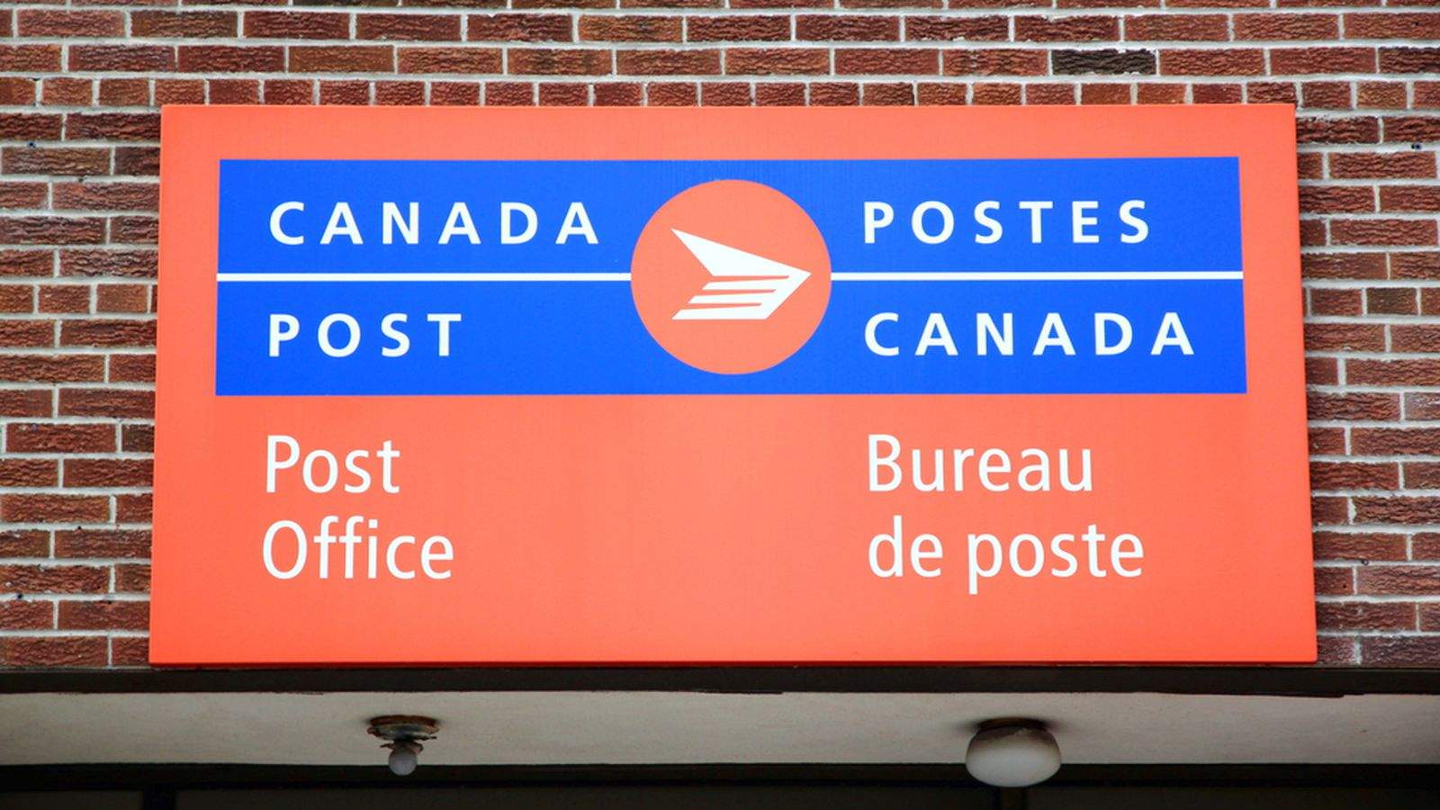 Canada S Postal Service Ending Home Mail Delivery Over