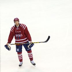 Laich Holds Gloves During Stop