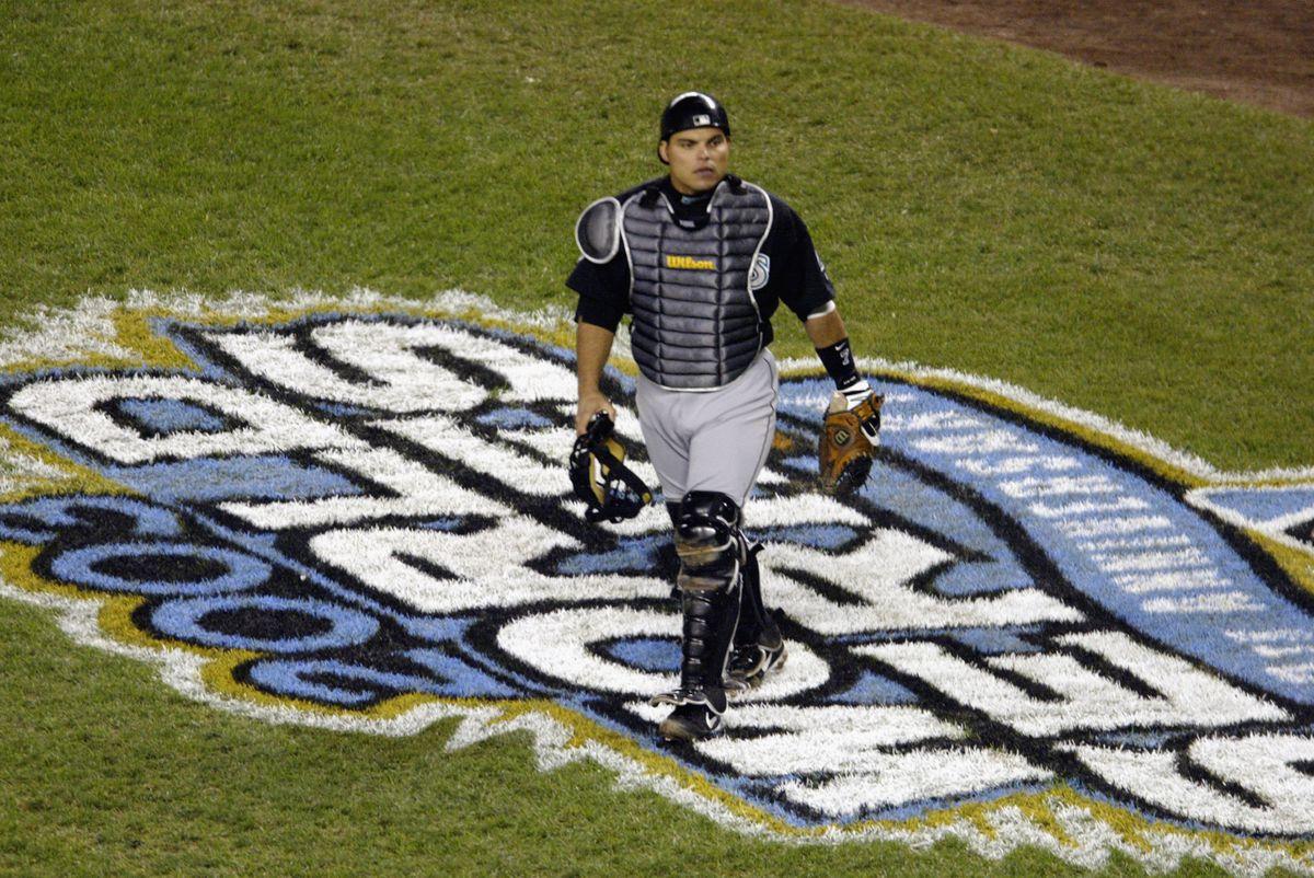 Ivan Rodriguez walks off field