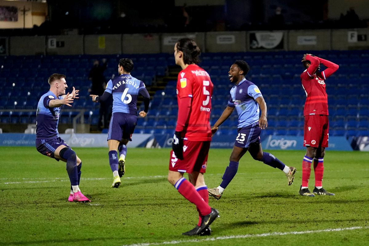Wycombe Wanderers v Reading - Sky Bet Championship - Adams Park