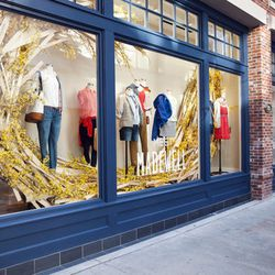 """Now I know this is not a local, independently run shop—which it usually what I like—but I just love <a href=""""https://www.madewell.com/index.jsp"""">Madewell's</a> [932 Rush Street] clothes and jewelry.  Its no fuss but a definite must! [Photo: Racked Chicago"""