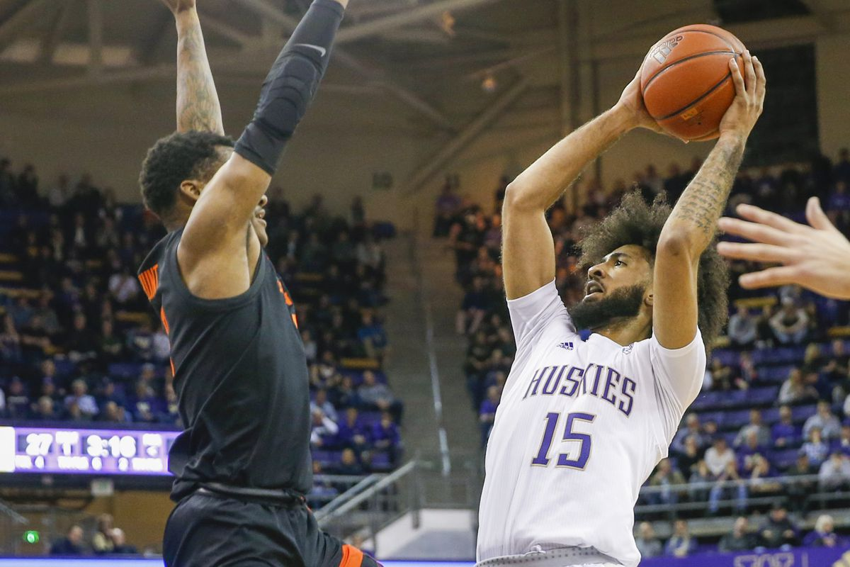 Friday Dots: Huskies get spark from a different pair of freshman