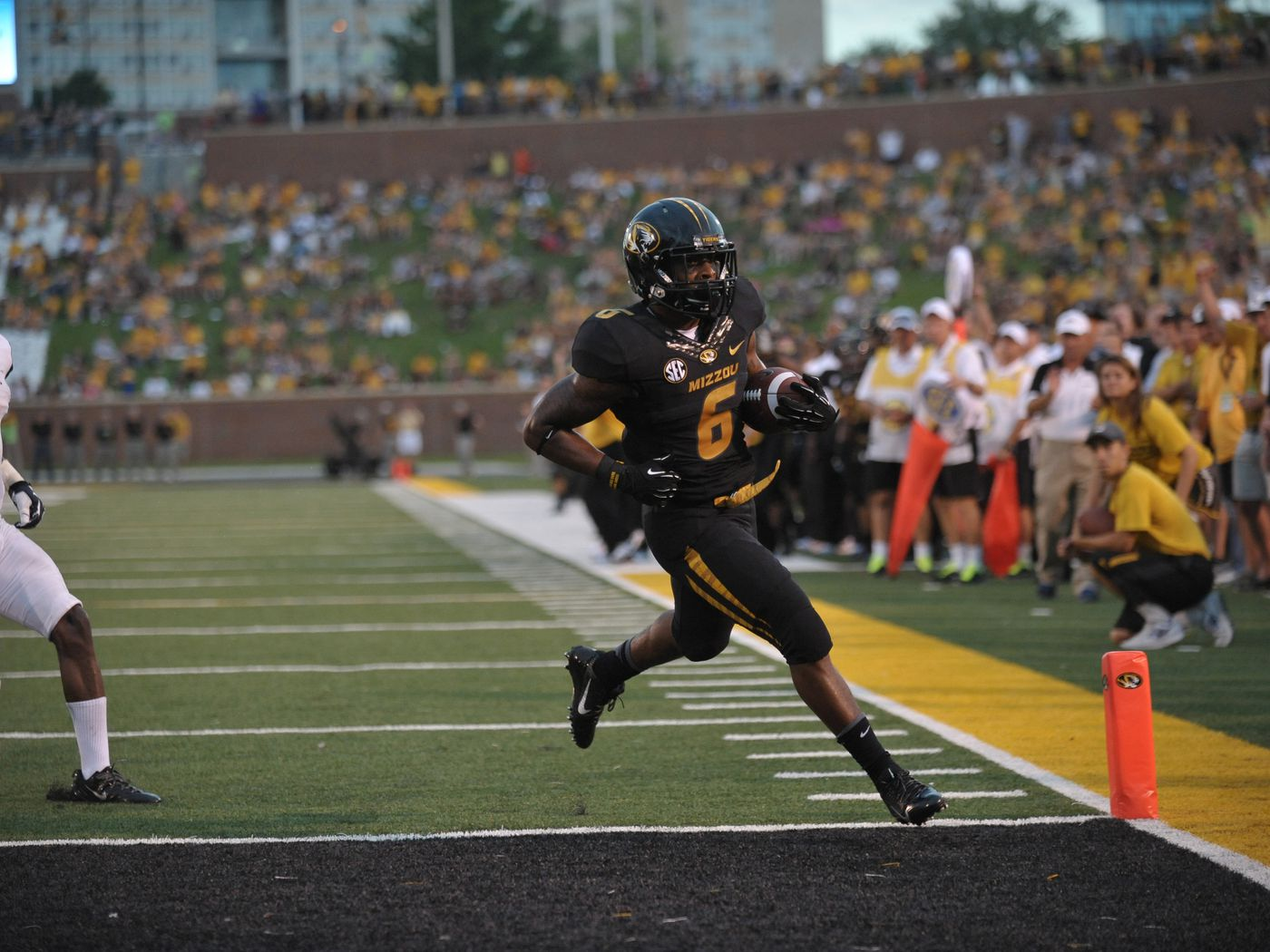 Tgif Links Uniforms Jaleel Clark And The Numbers Game