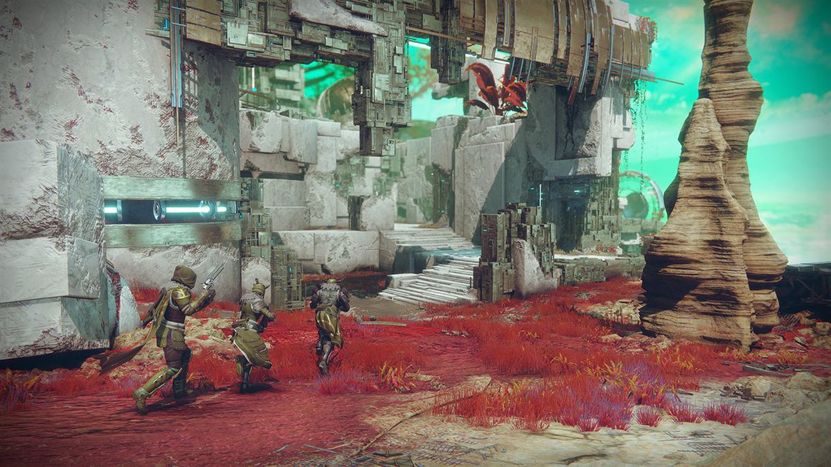 Destiny 2 - three Guardians on Distant Shore map