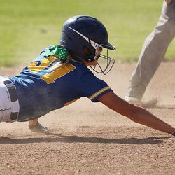 6A softball playoffs: Nicole Wall does it all for Bingham in
