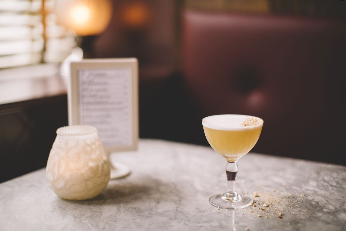 A cocktail at Le Swan