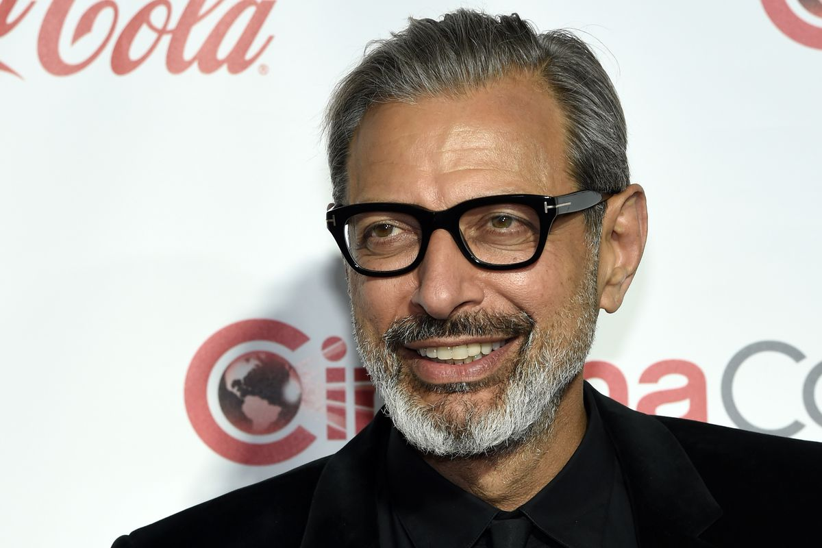 Jeff Goldblum Can T Say No To Dinosaurs Will Appear In