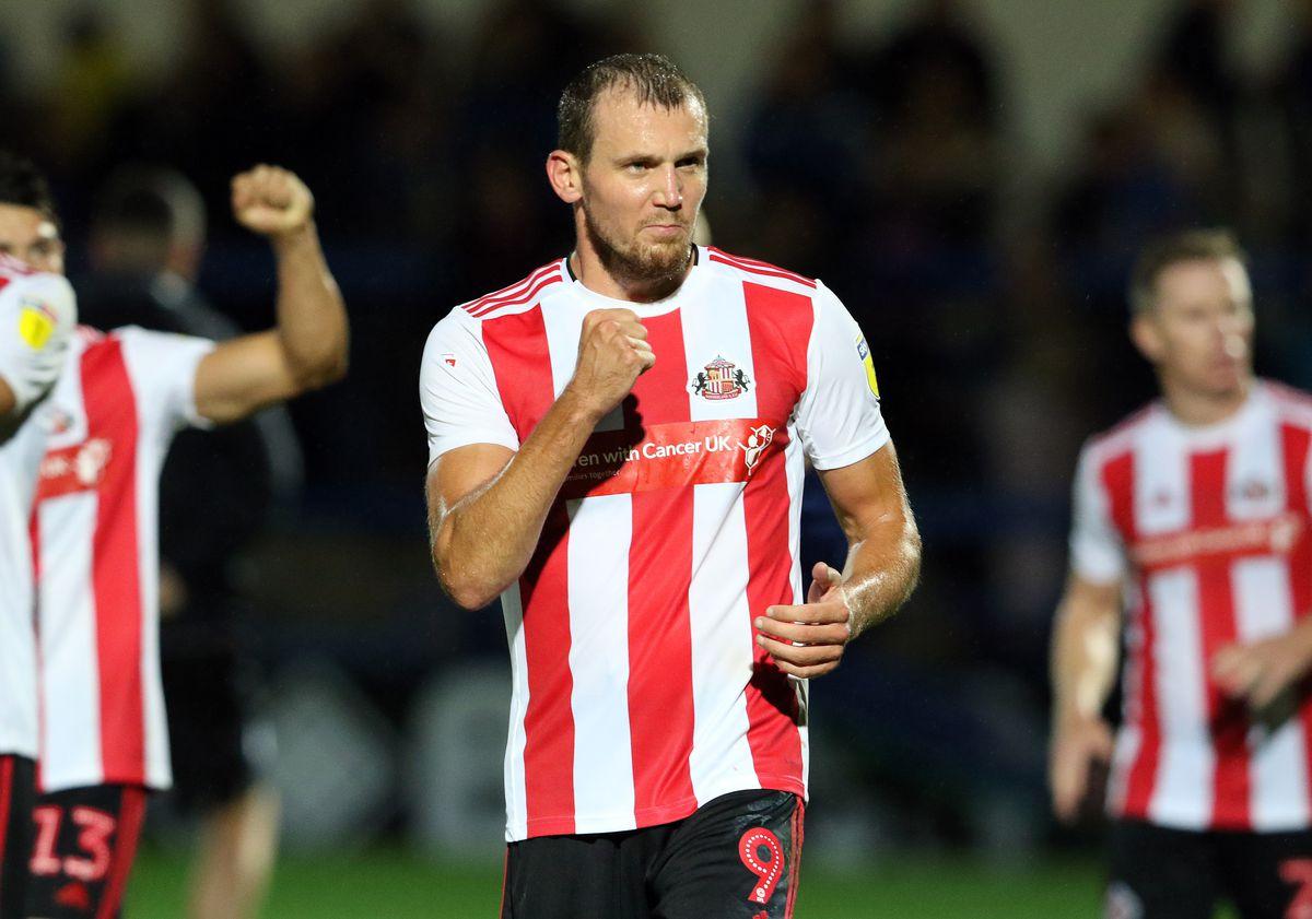 Rochdale v Sunderland - Sky Bet League One