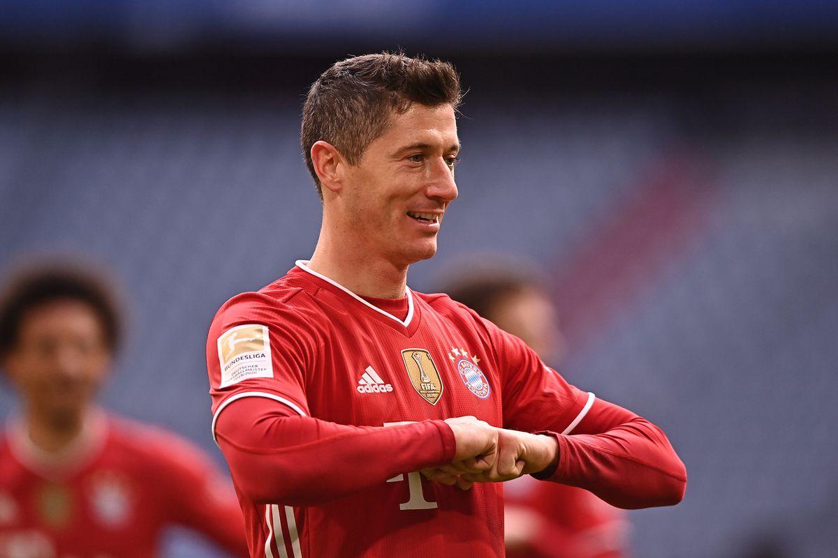 Robert Lewandowski goes clear second on Bundesliga's all time scoring list  with hat-trick vs. VfB Stuttgart. - Bavarian Football Works