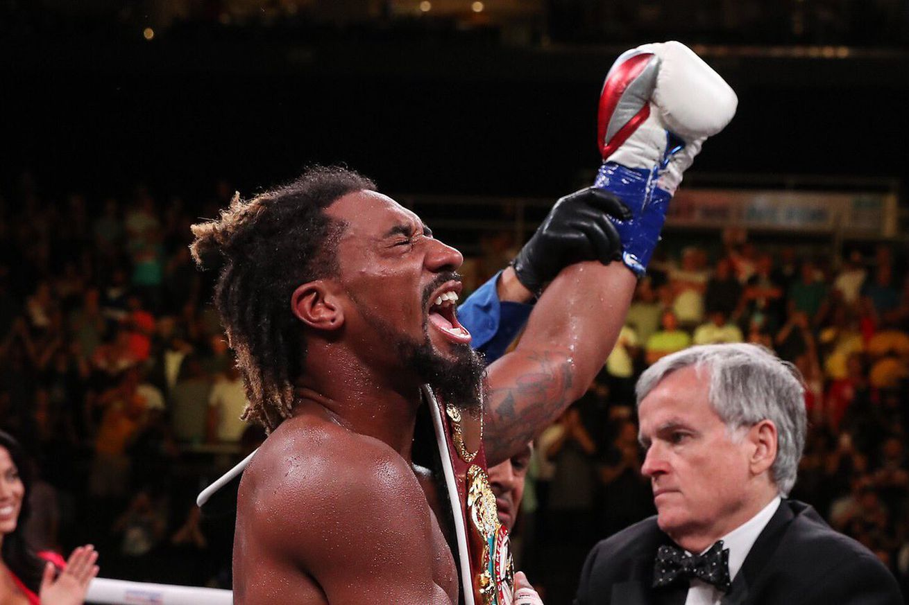 D SIdtTX4AA8VaM.0 - What's next for Demetrius Andrade?
