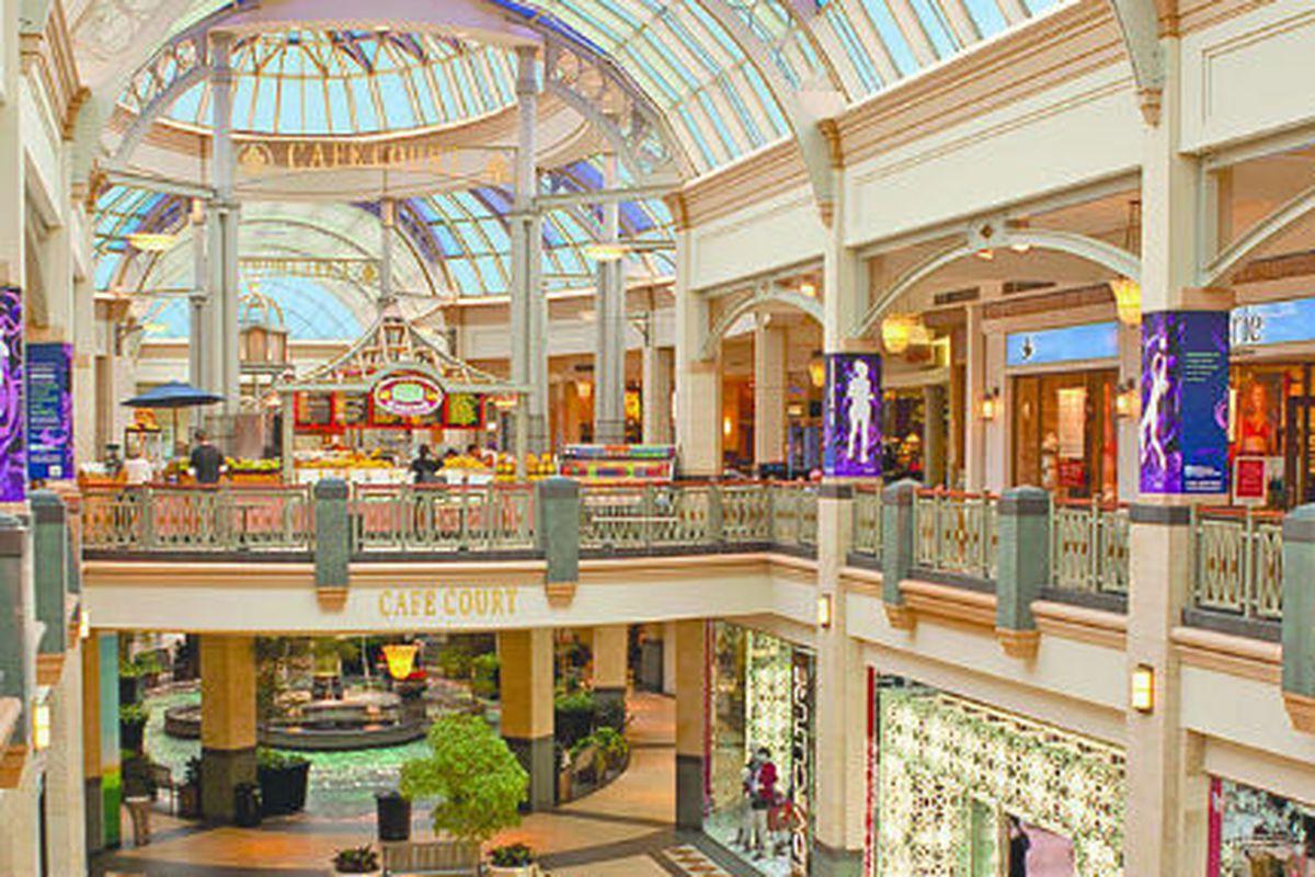 "Image credit: <a href=""http://www.simon.com/mall/king-of-prussia-mall/"">King of Prussia Mall</a>"