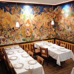 The lush interior of the Arun's Thai Restaurant. | Victor Hilitski/For the Sun-Times