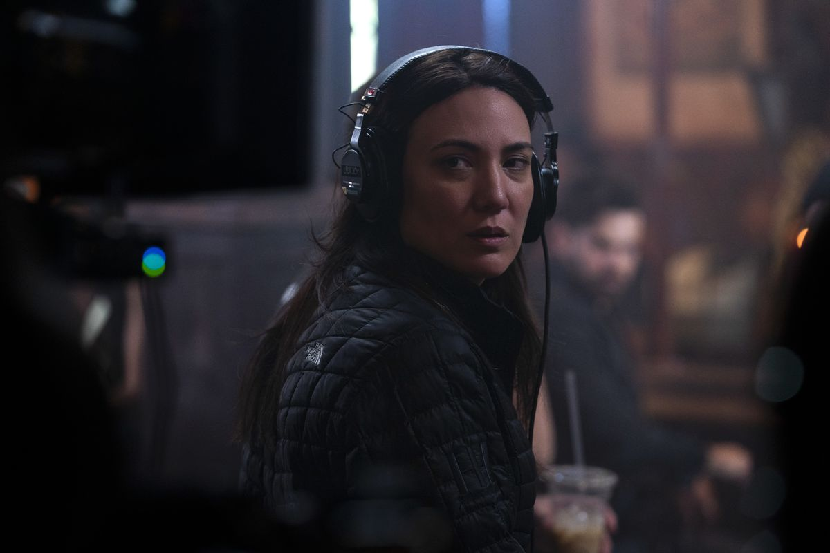 Reminiscence  director Lisa Joy on set